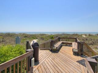 New to Market, Newly Renovated Villa, 106 Breakers, Free Bikes!, Hilton Head
