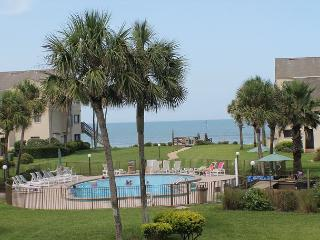 Summerhouse 436, Ocean View, 2 Bedroom, 2 1/2 Bath, WIFI, 4 heated pools