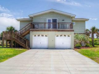 This wonderful, completely renovated oceanfront house has fantastic views!