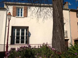 Fabulous townhouse with mountain views, Céret