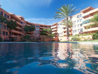 Apartamento 200m from the beach, direct access, San Luis de Sabinillas