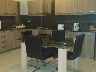 S. 2 Bedroom Apartment 5 mins away from Beach!, Marsaskala
