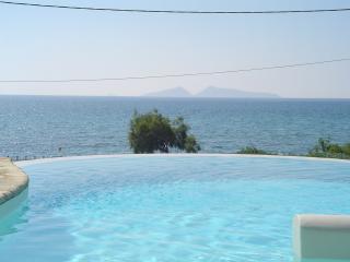 Villa Petrothalasa Mesogios 1