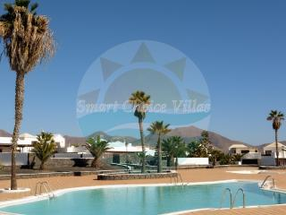 Modern Two Bedroom Villa on a Complex with a Pool, Playa Blanca
