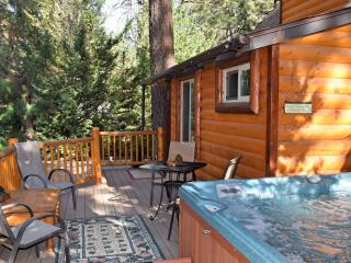 Bear Hug Hideaway, Big Bear Region