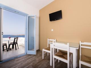 Apartment With Sea View, Parikia
