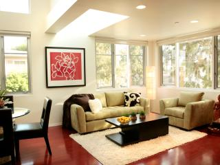 Chic Serenity in Heart of Santa Monica Near Beach
