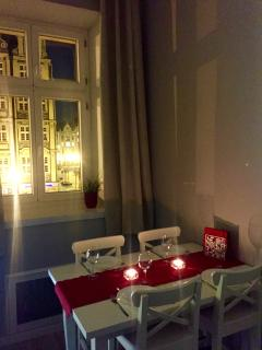 Romantic dinner....? You're right on the Square once you open the windows....