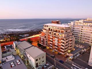3 bedroom Apartment in Fresnaye, Province of the Western Cape, South Africa