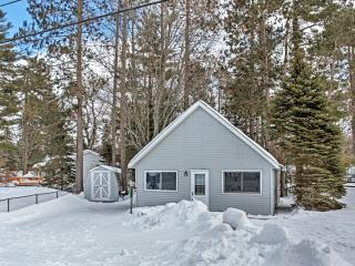 Cozy 2BR + Loft Gaylord Cottage near Otsego Lake w/Wifi & Lake Access - 1 Mile from Public Beach at Wah Wah Soo!