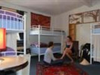 The Flying Fox Mixed Dorm Room, Katoomba