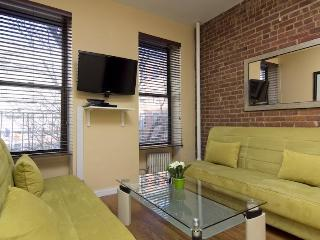 Times Square - 3 Bedrooms Apt (8075)