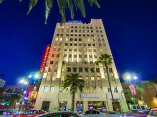 Glamorous loft on the corner of Hollywood and Vine