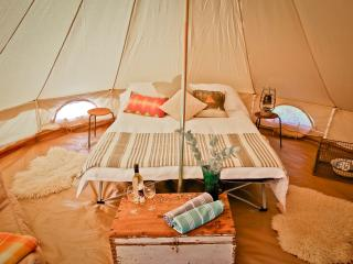 Bell Tent, Camping with Ease, Comfort and Style, Río Margaret