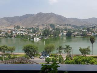 Nice Apartment w/ wonderful lake views. LINDO APTO, Lima