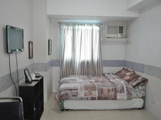 Short Stay Studio Unit near La Salle, Manila