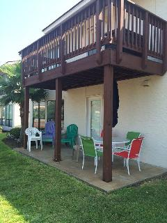 Beachview Getaway only 150 Steps to the BEACH!!! Pet Friendly! Over 1,000 sq ft