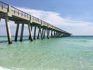 Beachview Getaway only 150 Steps to the BEACH!!!, Navarre