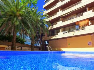 Apartamentos con piscina. Muy céntricos