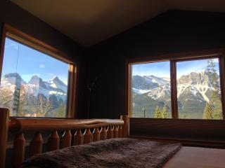 Lady DeVine bed & breakfast, Canmore
