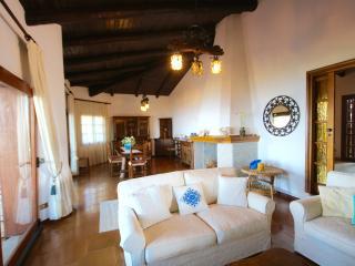 Villa con parco sul mare Golfo Aranci - SosAranzos