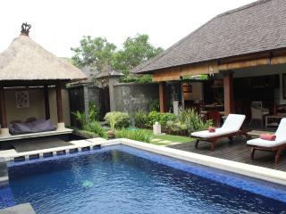 Villa close to beach&international class restouran