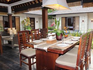 Villa close to beach&international class restouran, Seminyak