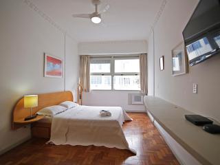 Economic apartment em Copacabana C092, Rio de Janeiro
