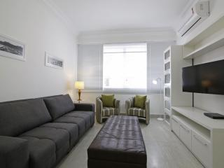 Luxury apartment in Copacabana with parking T002