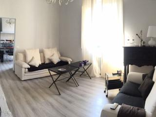 Pacinotti Rest apartment in Campo di Marte with WiFi & balkon., Florence