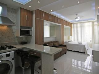 Luxury apartment in Copacabana with side sea view C104
