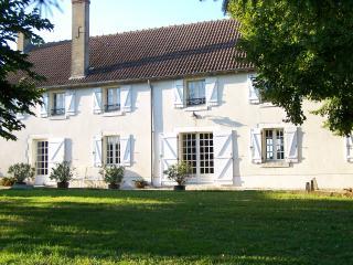 Gite rural longère berrichonne 14 personnes, Bourges