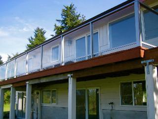Lopez VistaBay House >BEST LOCATION, BEST DECOR, BEST SERVICE