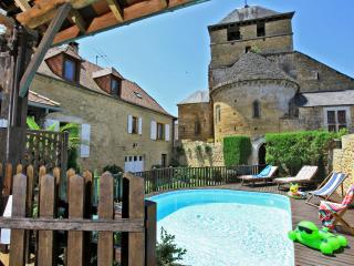 LOCATION MAISON DU XVII° S PISCINE PRIVEE DORDOGNE