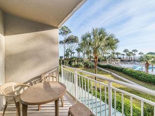 Hampton 6107, Oceanfront View, 2 Bedroom, Large Pool, Sleeps 6, Hilton Head