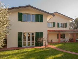 5 Bedroom Vacation Villa in Lucca - Villa Parenti