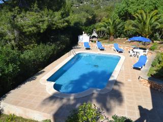 B6 Villa with private swimming pool