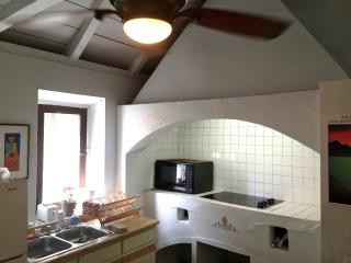 The Olde Danish Kitchen Cottage ( with Wi-Fi! )