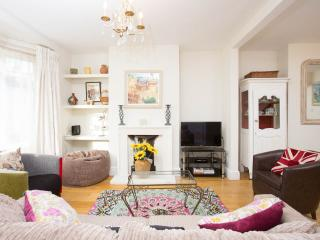 Lovely Terraced Holiday Cottage in Brighton