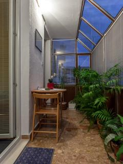 Loggia that can be used by room guests
