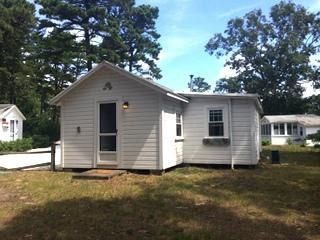 Brownie's Cottage #5   Bayside of Wellfleet steps from beautiful Conservation Trails & Bayviews!