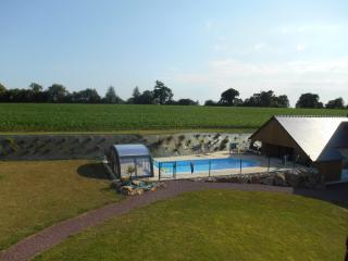 Gîte 2pers. piscine chauffée, cadre exceptionnel, proche plages et Granville