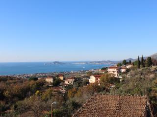 Casa Maria, WI-FI, vedere vista, spiaggia 8 km, Formia