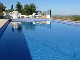 Country property , breathtaking views, Pool, WIFI, Fuentes de Cesna