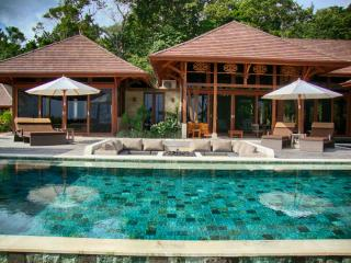 Casa Bellavia, Balinese designed luxury home, Dominical