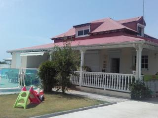 Chambre d'hôte dans villa avec piscine