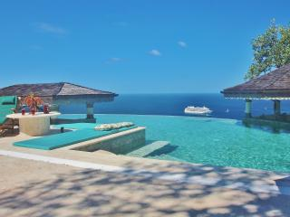 *PALM*  Bequia's Finest Boutique 5* Properties