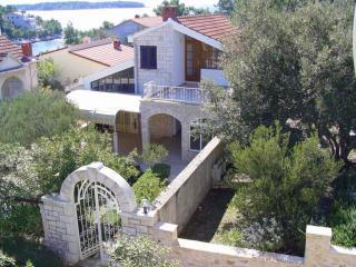Lovely holiday home VOLAT, 50m sea, Vela Luka