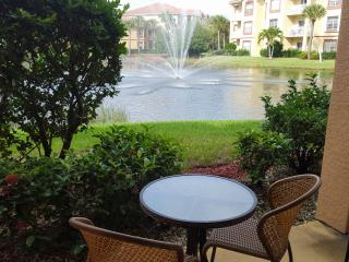 LUXURY CONDO with BEAUTIFUL LAKE and FOUNTAIN VIEW, Fort Myers