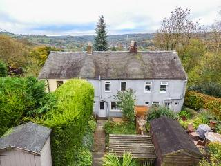 BRAMBLE COTTAGE superb views, woodburning stove, terraced garden in Wirksworth Ref 25002